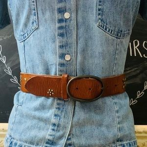 American Eagle Antiqued Daisy Leather Belt